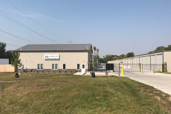 Store with Highline Storage in Des Moines