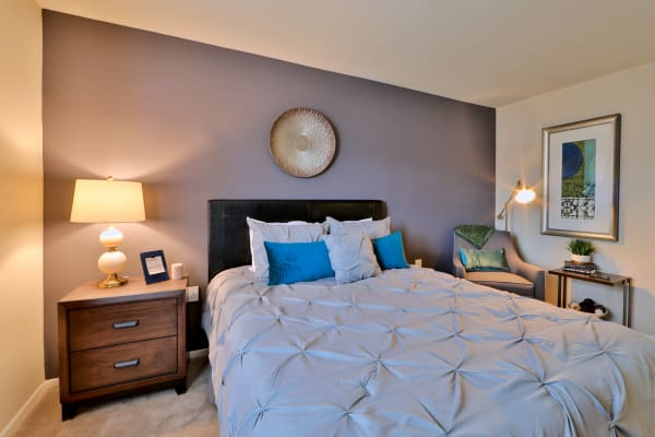 Cozy bedroom at Taylor Park Apartment Homes