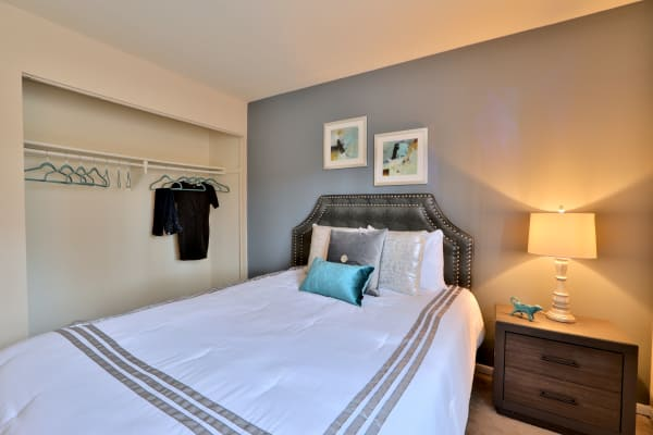 Taylor Park Apartment Homes offers a natrually well-lit bedroom in Nottingham, Maryland