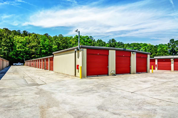 Exterior units at Metro Self Storage in Decatur, Georgia
