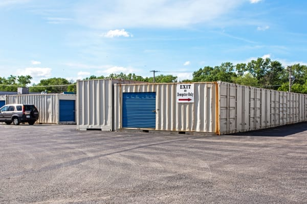 Outdoor units at Metro Self Storage in Des Plaines, Illinois
