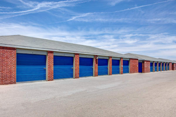 Exterior drive up units at Metro Self Storage in El Paso, Texas