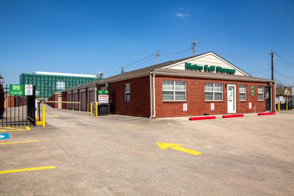 Office exterior view at Metro Self Storage in Houston, Texas