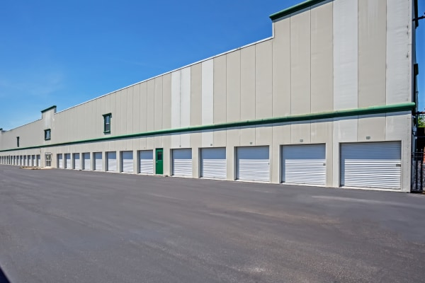 Exterior drive up units at Metro Self Storage in Lakeland, Florida