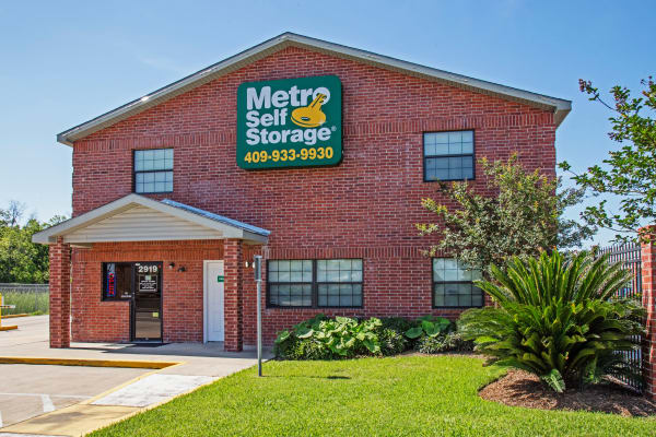 Office exterior view  at Metro Self Storage in La Marque, Texas