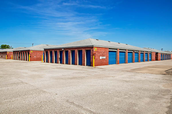 Exterior drive up units at Metro Self Storage in La Marque, Texas