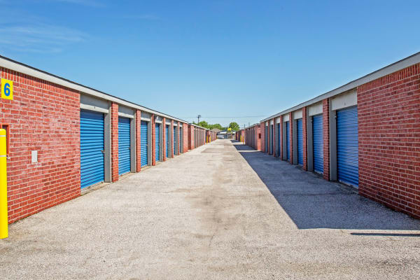 Outdoor units at Metro Self Storage in La Marque, Texas