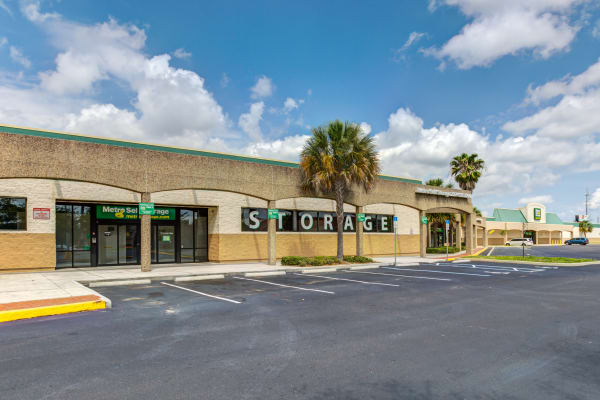 Metro Self Storage offers a parking area in Largo, Florida