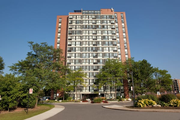 Exterior photo of Bristol Court in Mississauga