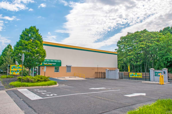 Exterior view of Metro Self Storage in Pennsauken, New Jersey