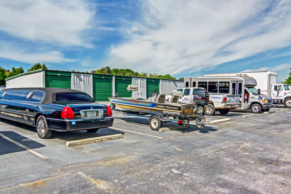 Metro Self Storage offers RV and boat storage service in Stockbridge, Georgia