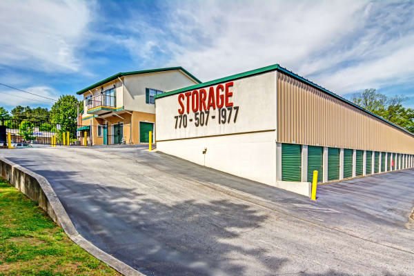 Exterior drive up units at Metro Self Storage in Stockbridge, Georgia