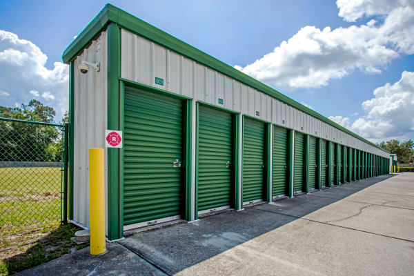 Metro Self Storage offers small outdoor units in Wesley Chapel, Florida