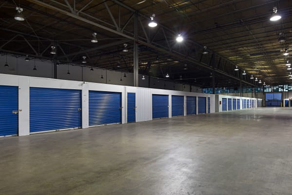 Metro Self Storage offers indoor units in Chicago, Illinois