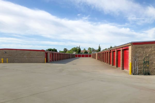 Sizes and prices of Elk Grove self storage units