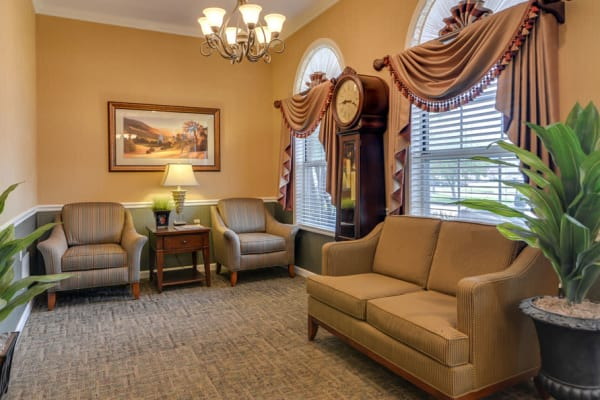 Assisted common area at Auburn Creek Senior Living in Cape Girardeau, Missouri