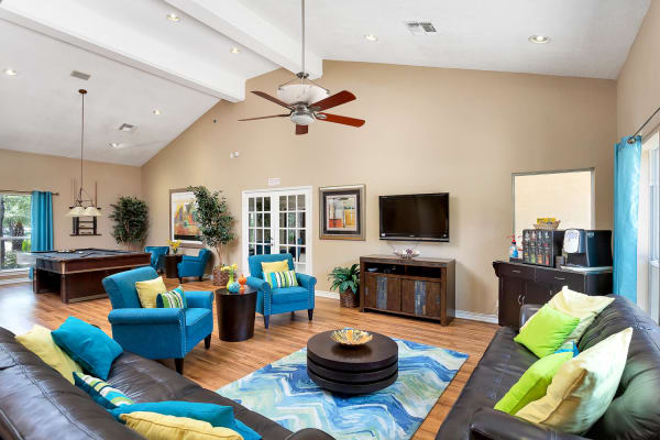 Well decorated living room at Villas at Oakwell Farms in San Antonio, Texas