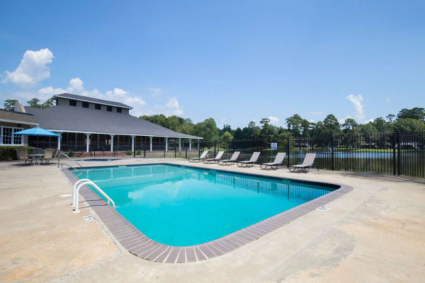 Beautiful swimming pool at Retreat at Ragan Park in Macon, Georgia