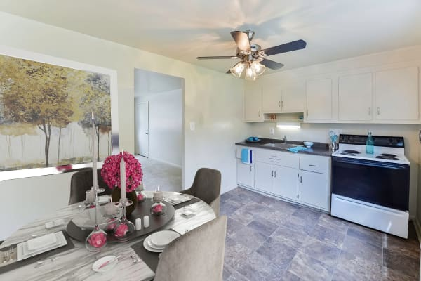 Kitchen at Wedgewood Hills Apartment Homes in Harrisburg, Pennsylvania