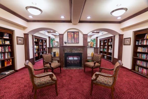 Community library at Julian Estates Gracious Retirement Living in Puyallup, Washington