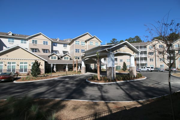 Building exterior of Mulligan Park Gracious Retirement Living in Tallahassee, Florida