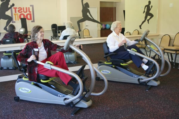 Residents in the gym at Salishan Gracious Retirement Living in Spring Hill, Florida