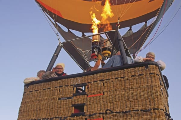 Residents from Salmon Creek in Boise, Idaho in a hot air balloon