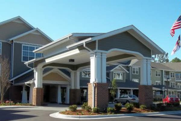 Building exterior of Southern Pines Gracious Retirement Living in Southern Pines, North Carolina