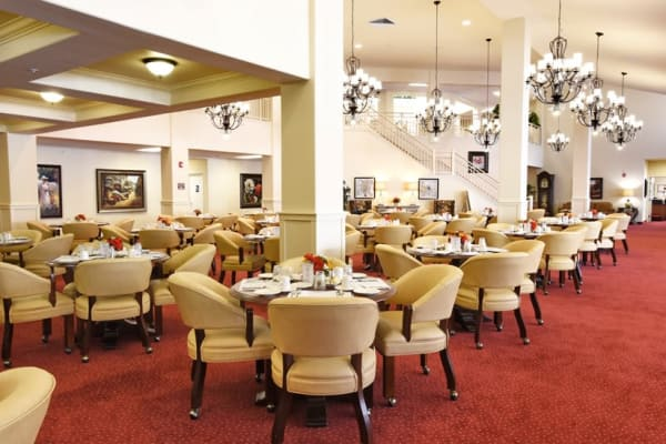 A large dining room at Sterling Heights Gracious Retirement Living in Bethlehem, Pennsylvania