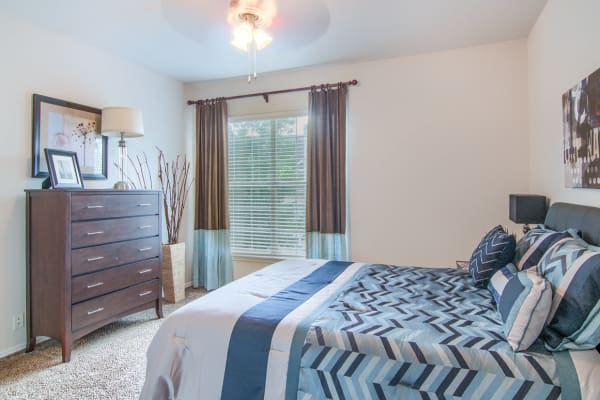 Beautiful bedroom Stonehaven Villas in Tulsa, Oklahoma