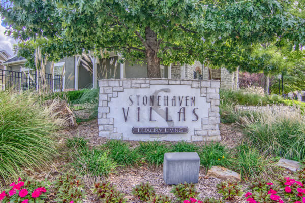 Beautiful entryway at Stonehaven Villas in Tulsa, Oklahoma