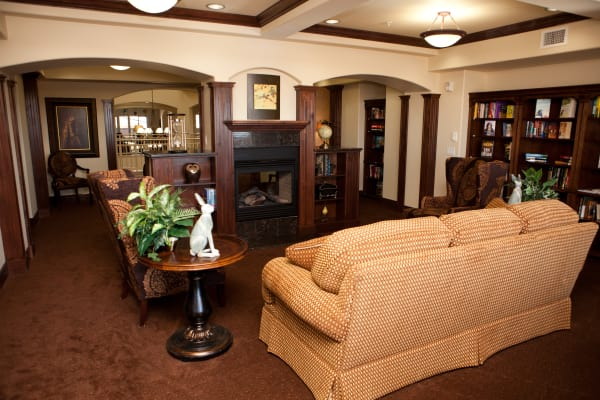 The community library at The Rio Grande Gracious Retirement Living in Rio Rancho, New Mexico