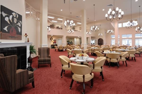 The dining hall at Whispering Pines Gracious Retirement Living in Raleigh, North Carolina