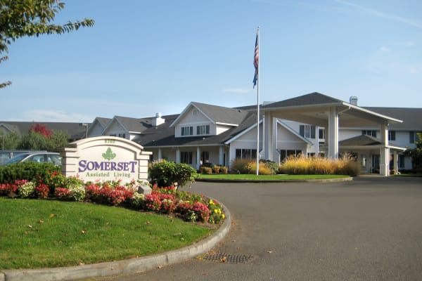 The building exterior of Somerset Assisted Living in Gladstone, Oregon