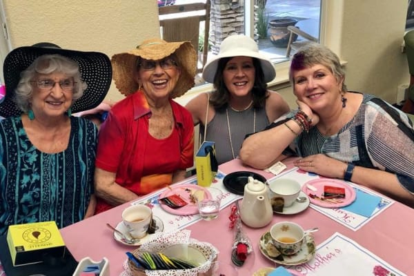 Residents having tea at Somerset Assisted Living in Gladstone, Oregon