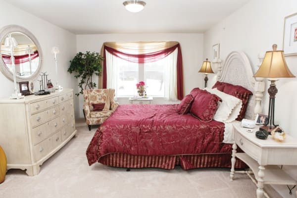 An apartment bedroom at Stoneybrook Assisted Living in Corvallis, Oregon