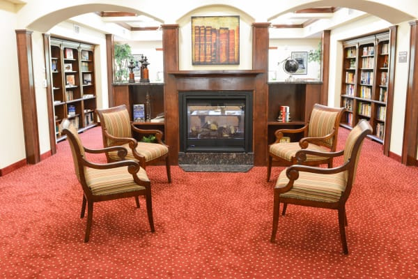 The community library at Hessler Heights Gracious Retirement Living in Leesburg, Virginia