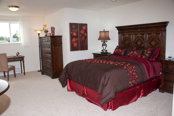A well decorated bedroom at Amber Park in Pickerington, Ohio
