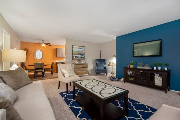 Diamond Forest Apartments in Farmington Hills, MI has luxury apartments for rent; schedule your tour today!