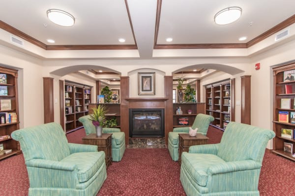 Library for residents at Linwood Estates Gracious Retirement Living in Lawrenceville, Georgia