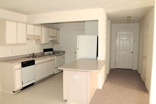 Bone Creek Apartments in Fayetteville, North Carolina, kitchen