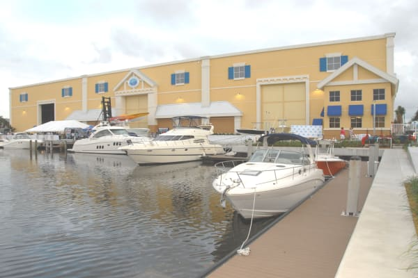 Onsite services at Aquamarina Hidden Harbour in Pompano Beach, Florida