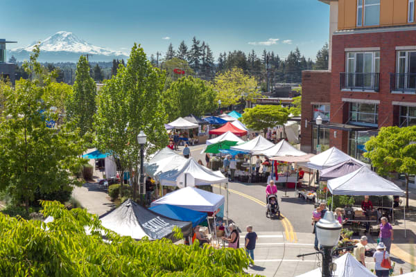 Senior living in Burien has a weekly community farmer's market