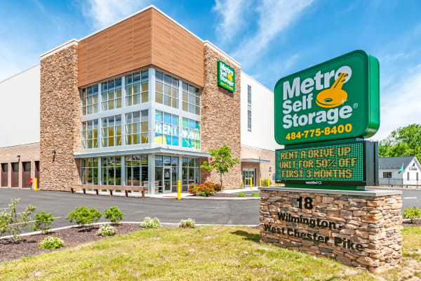 Exterior view of Metro Self Storage in Chadds Ford, Pennsylvania