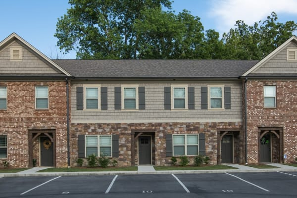 Lennox Commons apartments in Chattanooga, Tennessee