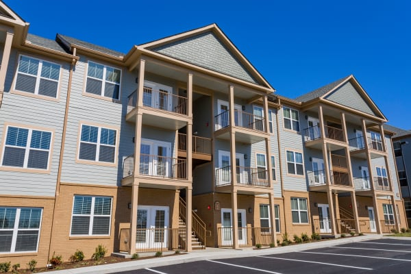 Madison Crest apartments in Madison, Tennessee