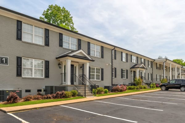 Midtown Square apartments in Red Bank, Tennessee