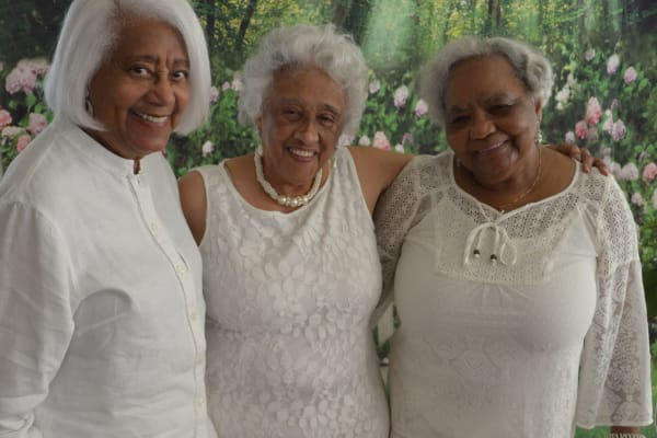 Residents of Camellia Gardens Gracious Retirement Living in Maynard, Massachusetts