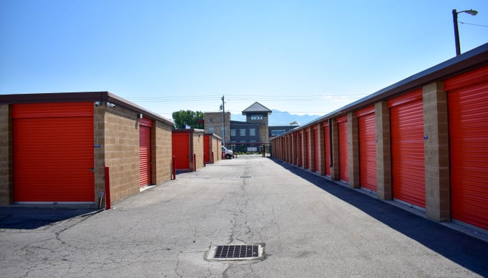 Red doors on storage units at a STOR-N-LOCK Self Storage location
