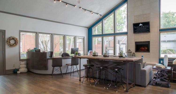 Learn more about the fabulous apartment features offered at The Atlantic Sweetwater